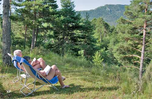 Le haut chandelalar brian onnet guide campings - Jardin sauvage st roch l achigan colombes ...